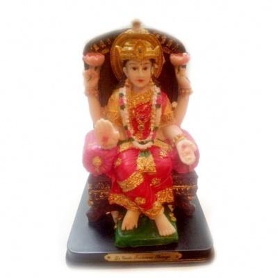 Богиня Лакшми на троне