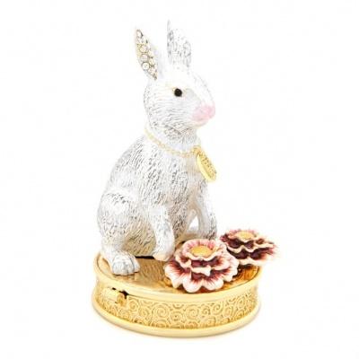 Кролик (цветок персика) шкатулка