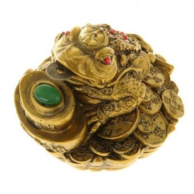 Жаба фен-шуй на монетах