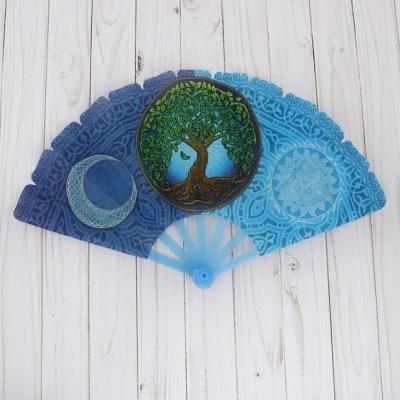 """Веер пластиковый Орнамент (24 см) зеленый с синим можно купить в интернет-магазине фэн-шуй """"Мой Талисман"""""""