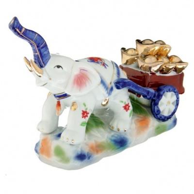 Слон с тележкой золотых слитков
