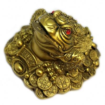 Жаба с монетой