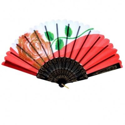 Красный веер фен-шуй