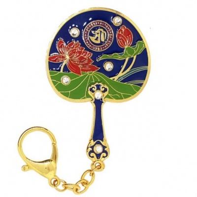 Зеркало-веер с лотосом для привлечения процветания и успеха